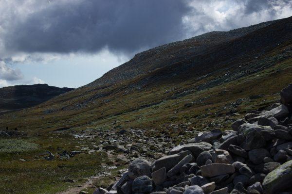 Wanderung auf den Gaustatoppen in Norwegen, startet in der Nähe des Ortes Rjukan, Wanderung in exponierter Lage über unendlich viel Geröll