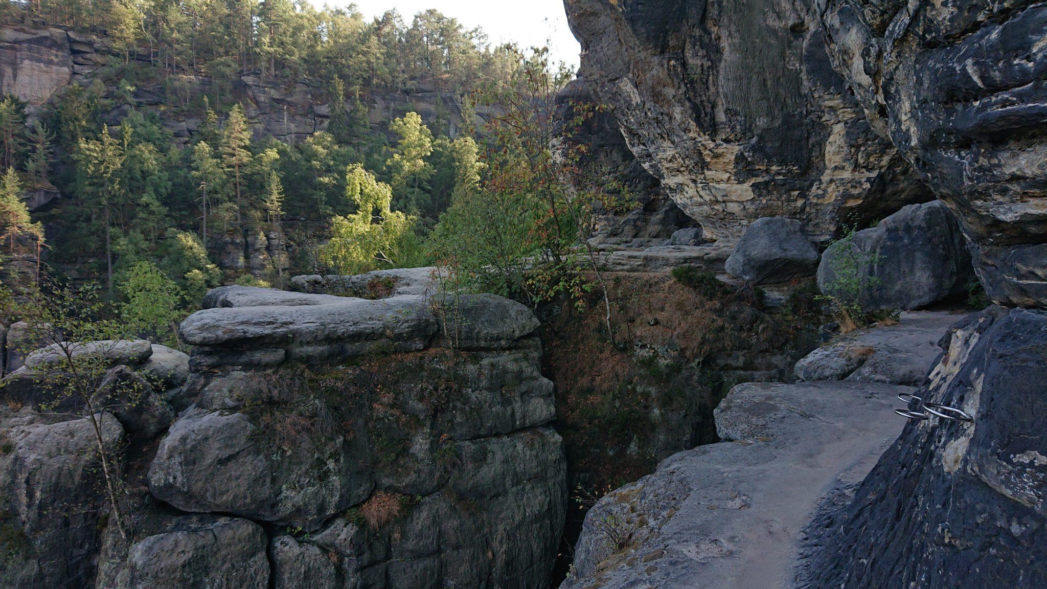 Affensteinweg Frienstein Carolafelsen und Wilde Hölle, Wanderweg im Wanderparadies Sächsische Schweiz mit vielen tollen Aussichten, riesiger Felsennationalpark, schöner Wald, unzählige Treppenstufen auf den Frienstein, Aussichtspunkt Idagrotte