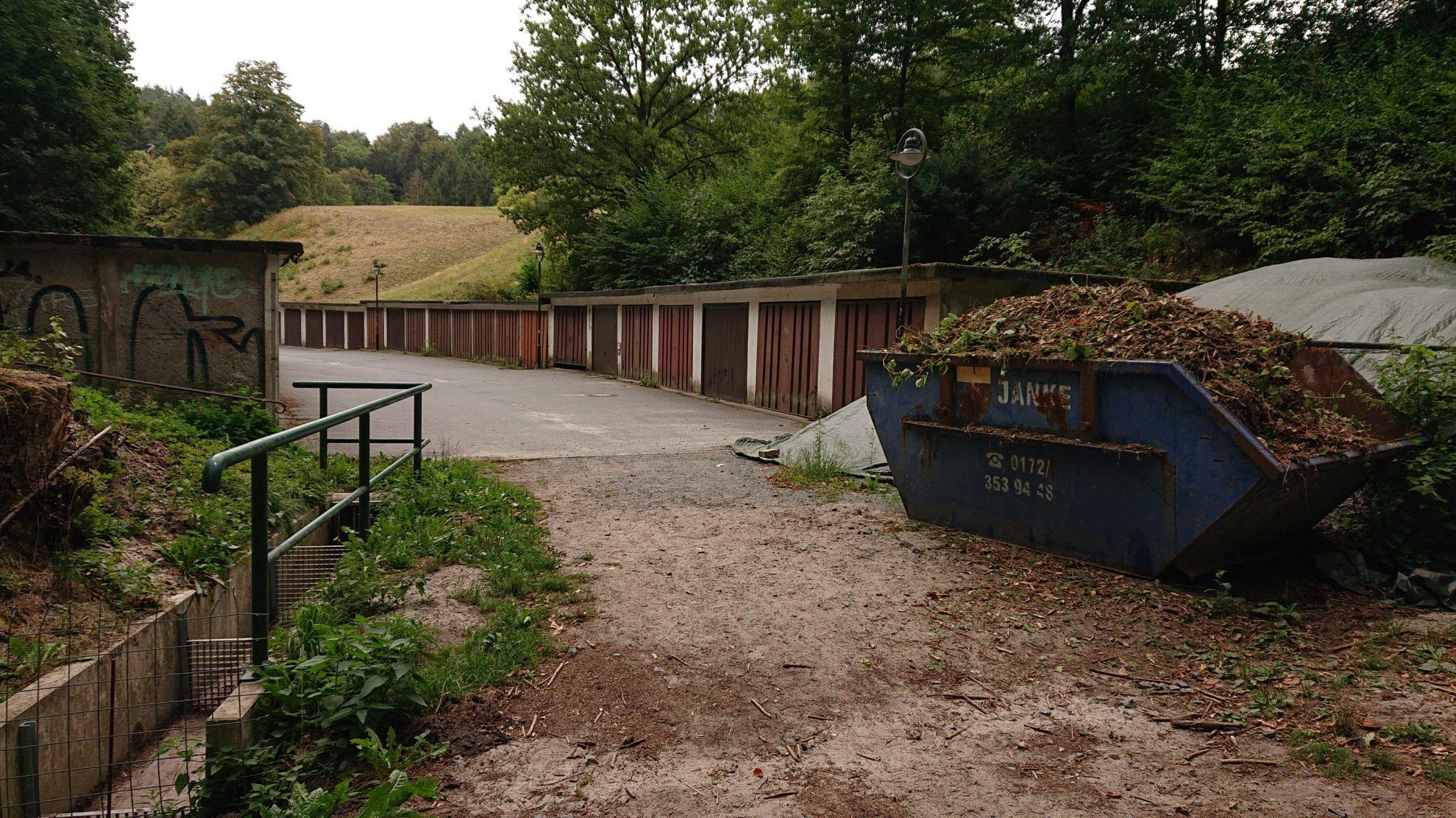 Wanderung durch Polenztal zur Bastei und zu Schwedenlöcher, Kurort Rathen am nicht so schönen Ortseingang