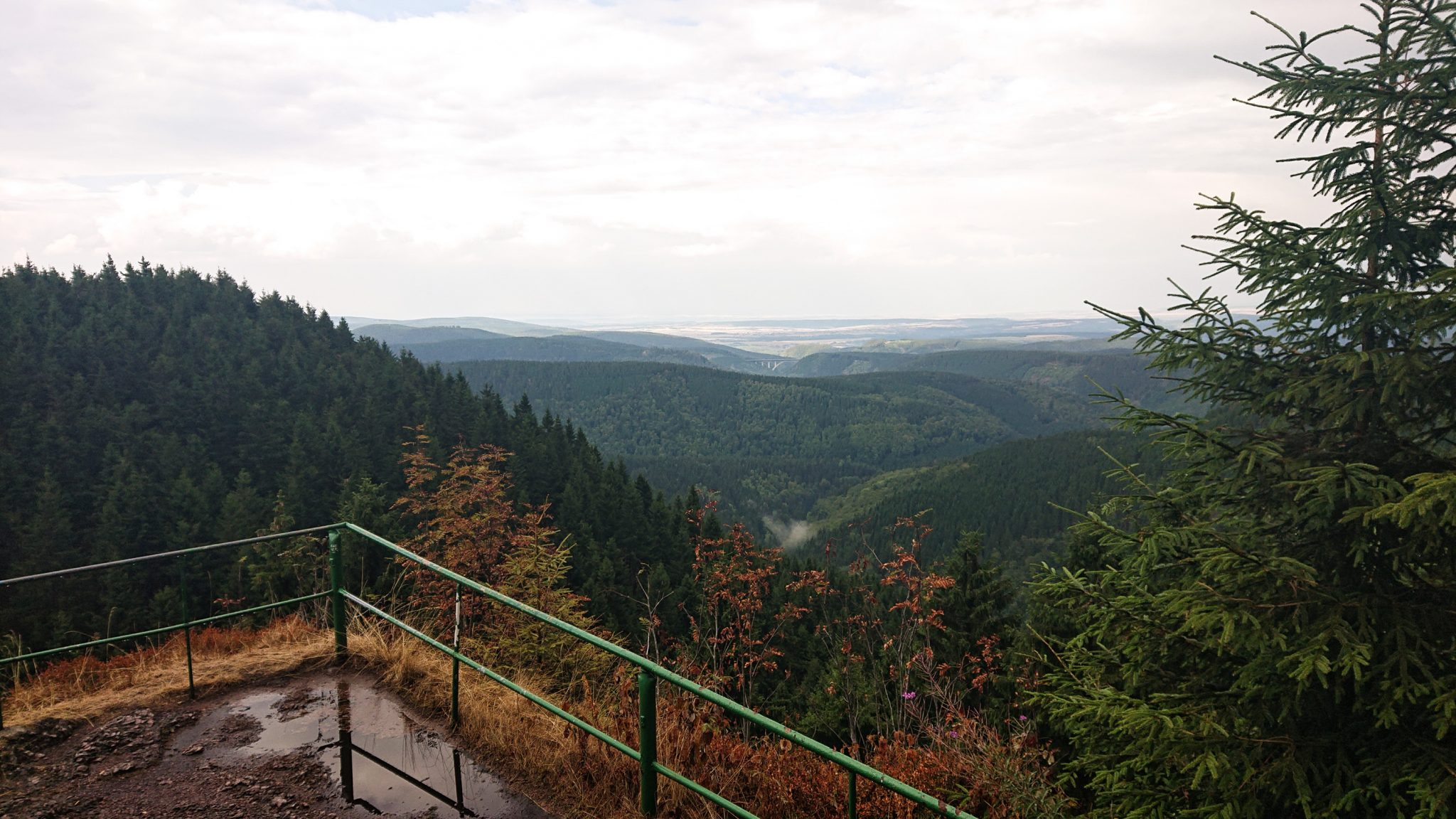 Großer Beerberg Schneekopf und Teufelskanzel, Gipfeltour Wanderung im Thüringer Wald, Aussicht auf Thüringer Wald von Teufelskanzel