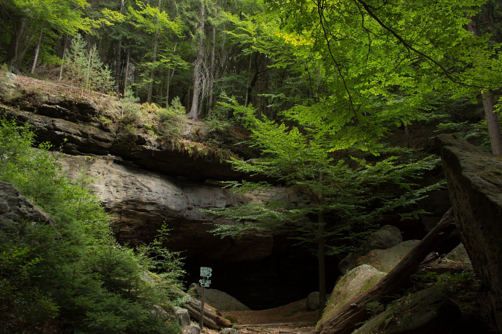 Zeughaus Hickelhöhle und Großer Reitsteig - im Kirnitzschtal wandern, Wanderweg im Wanderparadies Sächsische Schweiz mit vielen tollen Aussichten, riesiger Felsennationalpark, die berühmte Hickelhöhle, keine zu hohen Erwartungen haben