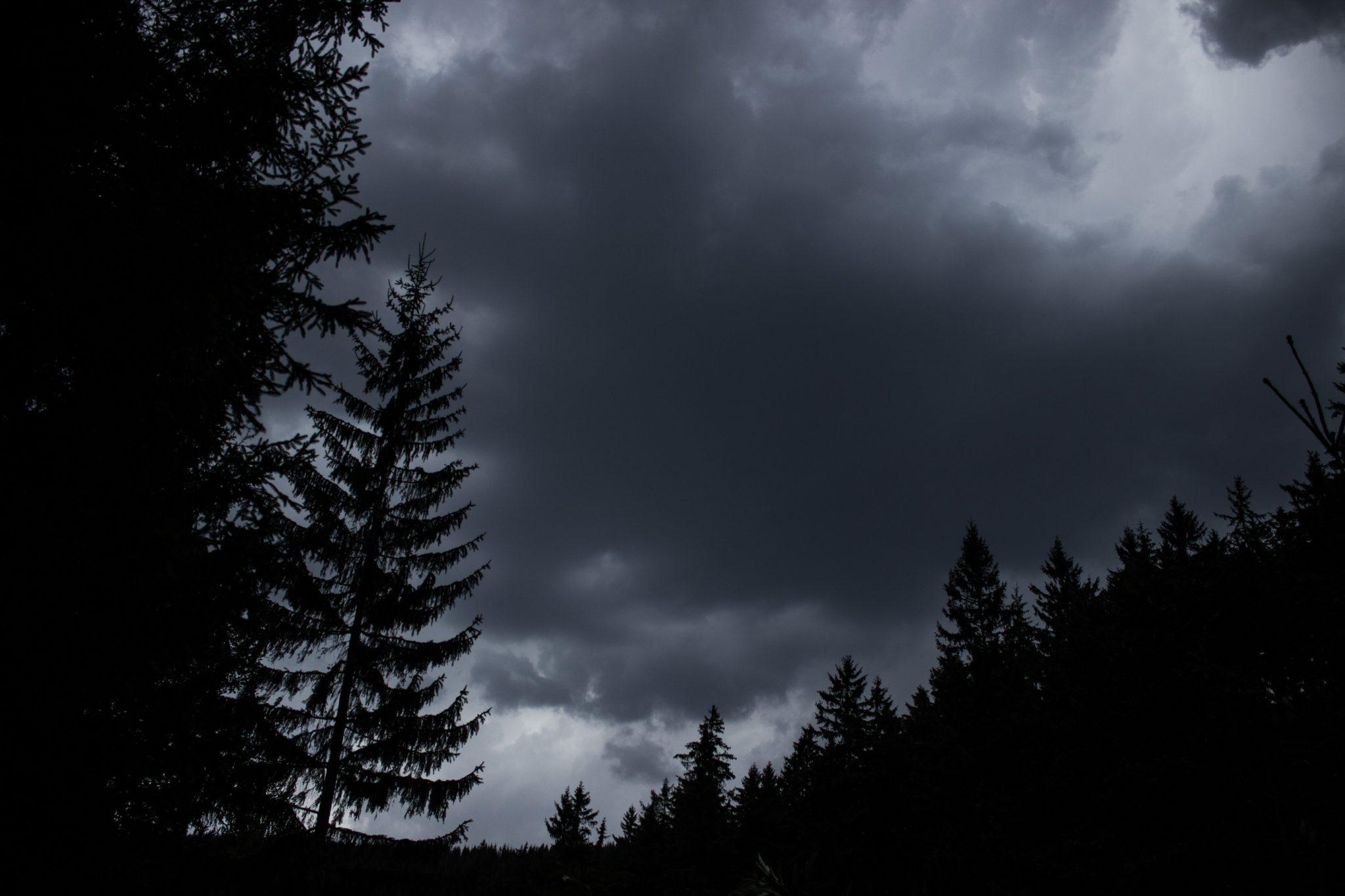 Großer Beerberg Schneekopf und Teufelskanzel, Gipfeltour Wanderung im Thüringer Wald, Unwetter zieht auf
