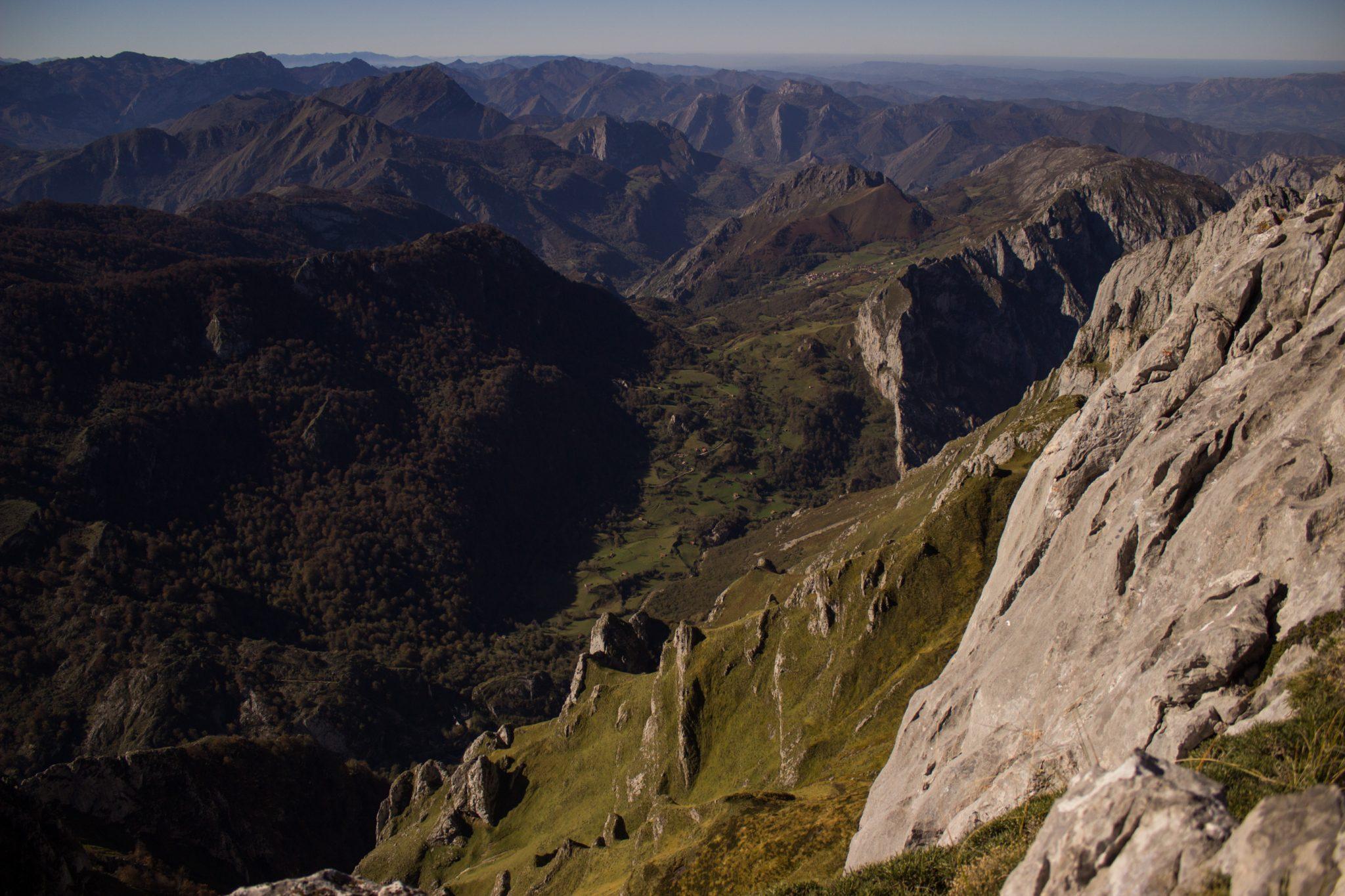 Wanderung Mirador de Ordiales Picos de Europa Spanien, sehr beeindruckende Sicht beim Ziel der Wanderung, dem Aussichtspunkt Mirador de Ordiales