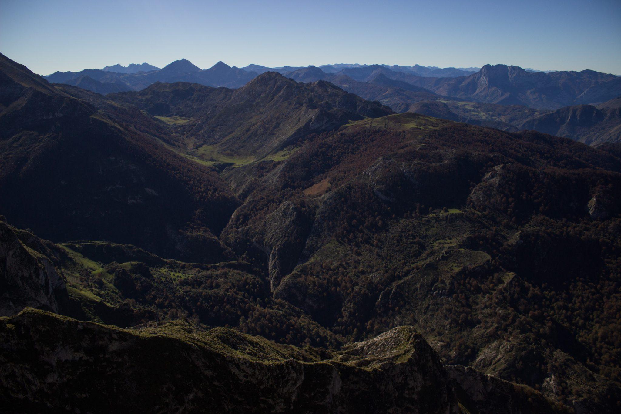 Wanderung Mirador de Ordiales Picos de Europa Spanien, sehr beeindruckende Sicht beim Ziel der Wanderung, dem Aussichtspunkt Mirador de Ordiales, Bergpanorama