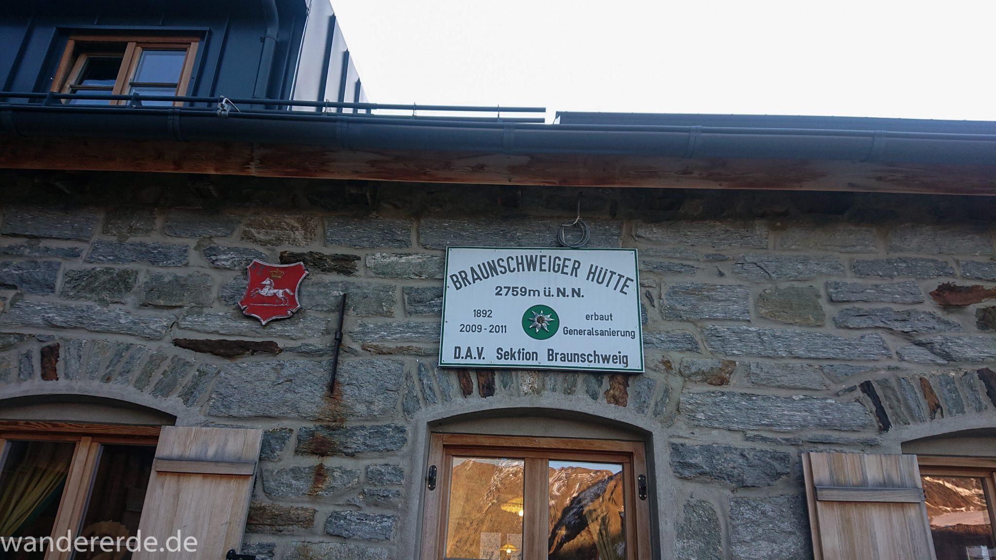 Alpenüberquerung Fernwanderweg E5 Oberstdorf Meran, 5. Etappe von Braunschweiger Hütte zur Martin-Busch-Hütte, Blick auf Braunschweiger Hütte in 2759 Meter Höhe
